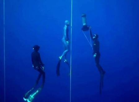 Млад гмуркач успя да се спусне на 112 метра дълбочина и счупи световния рекорд