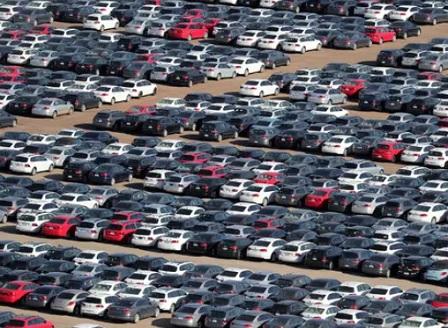 Спад на продажбите на нови автомобили в България с цели 34,5%