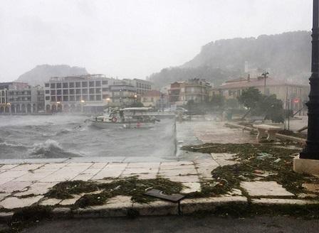 Жертвите на циклона Янос в Гърция вече са две
