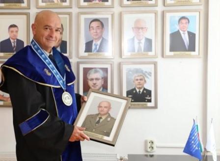 Генерал-майор Венцислав Мутафчийски получи почетно звание