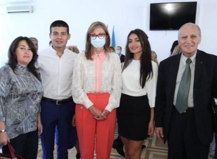 Екатерина Захариева се срещна с българите в Одеса