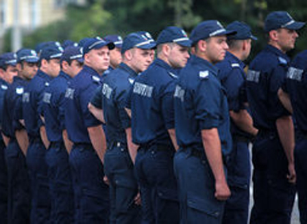 Полицаи излизат на протест във Варна