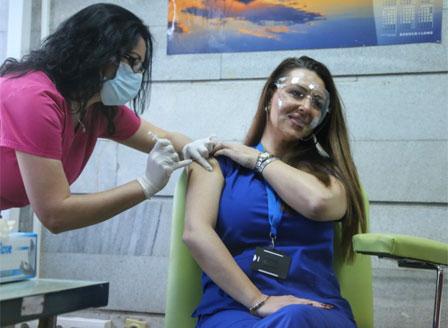 Започна имунизацията срещу Covid-19 с ваксината на
