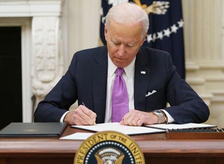 Байдън подписа 10 указа свързани с пандемията