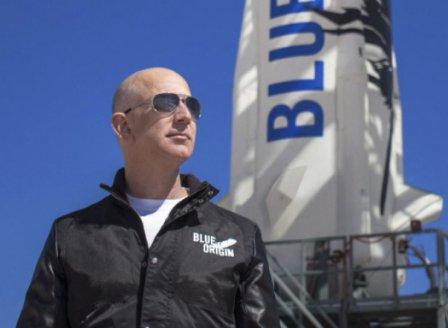 Джеф Безос направи успешно космическо пътешествие