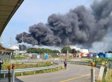 Експлозия в химическа индустриална зона в Леверкузен
