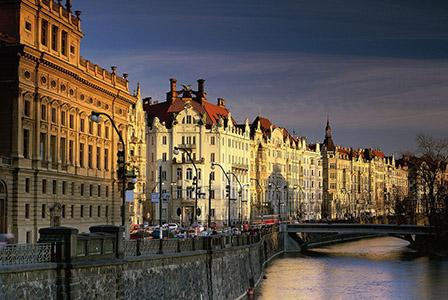 Български културно-просветни организации в Прага остават на улицата