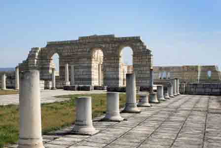 Паметник на Кирилицата се издига в старобългарската столица Плиска