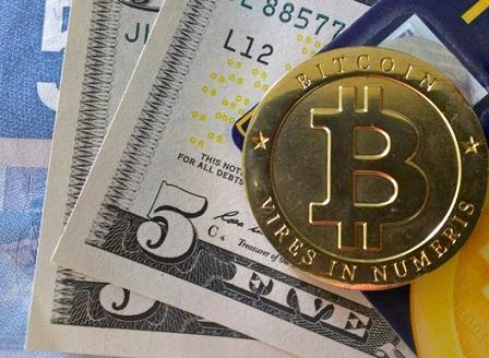 Биткойн преодоля границата от $2000