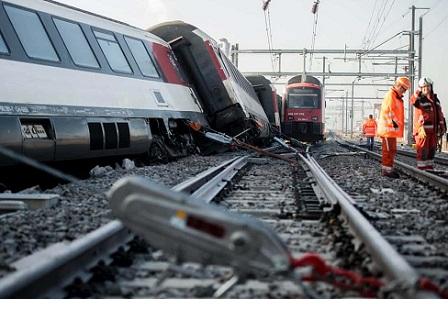 При влакова катастрофа в Швейцария пострадаха 27 души