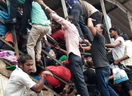 22 души загинаха на гара в Мумбай