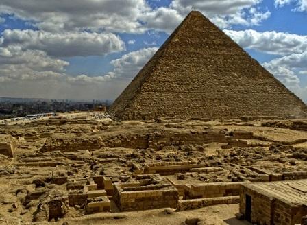 Учени откриха празнина с размерите на пътнически самолет в Хеопсовата пирамида