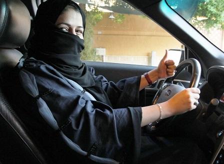 Саудитска Арабия се готви да разреши на жените да карат мотоциклети и камиони