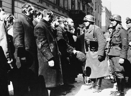 Полша одобри закон за Холокоста
