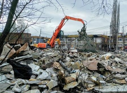 До 2020 година Виетнамските общежития в жк Красна поляна трябва да бъдат разрушени