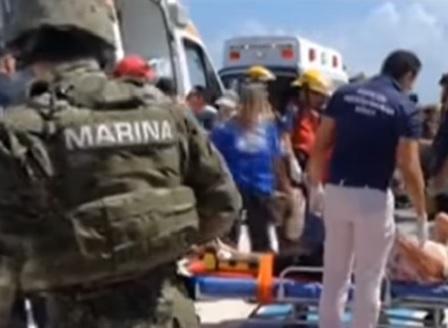 14 души са ранени при експлозия на туристически кораб в Мексико