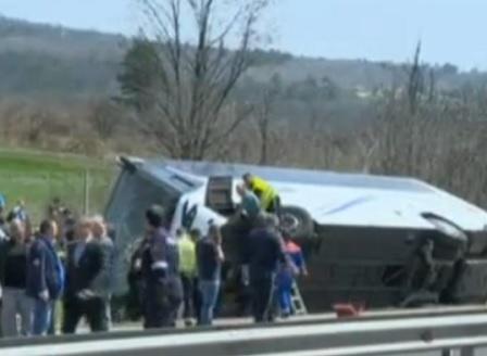 Шестима загинаха, а над 20 бяха ранени при катастрофа на магистрала Тракия