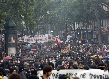 Стачките във Франция продължават