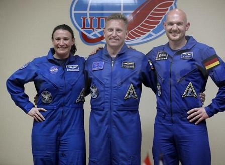 Изстреляха кораба Союз с тричленен екипаж към МКС
