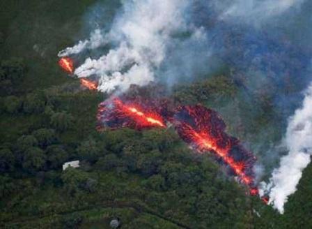 Вулканът Килауеа в Хаваите изригна отново