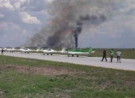 Изтребител се разби по време на авиошоу в Румъния, пилотът загина