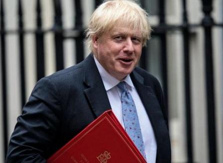 Британският външен министър Борис Джонсън подаде оставка