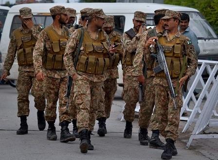 Атентат по време на парламентарни избори в Пакистан