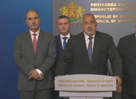 Министерските оставки влизат в НС, премиерът обяви имената на новите министри