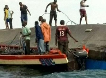 Увеличават се жертвите на потъналия ферибот в езерото Виктория