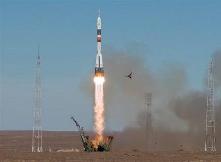 Инцидент с ракетата-носител Съюз МС-10, екипажът се приземи аварийно