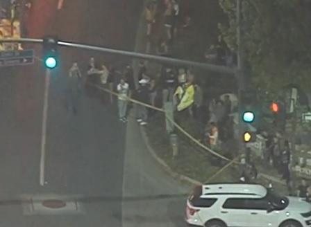 Бивш морски пехотинец разстреля 12 души в нощен клуб в Калифорния