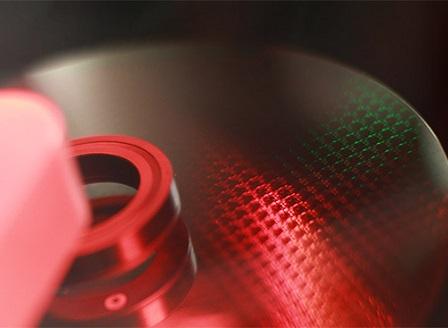 Китайски чипмейкър усвои 14-нм технология