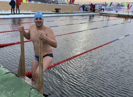 Петър Стойчев отново световен шампион в ледени води