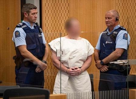Стрелецът от Нова Зеландия ще се защитава сам в съда