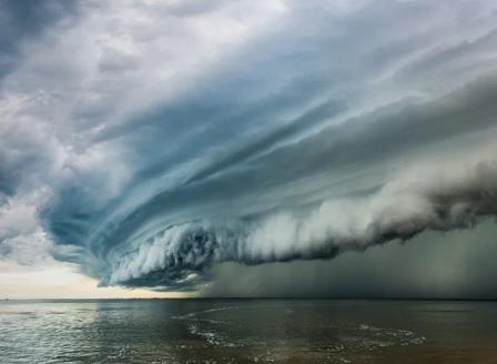 Над 1000 души може да са жертвите на циклона в Мозамбик