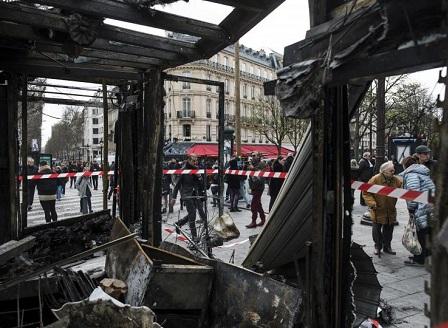 Френското правителство с нови мерки за сигурност след погромите в Париж