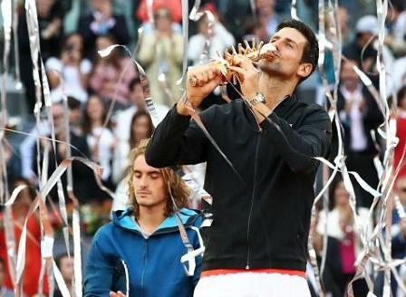 Новак Джокович триумфира с титлата в Мадрид след успех в два сета над Циципас