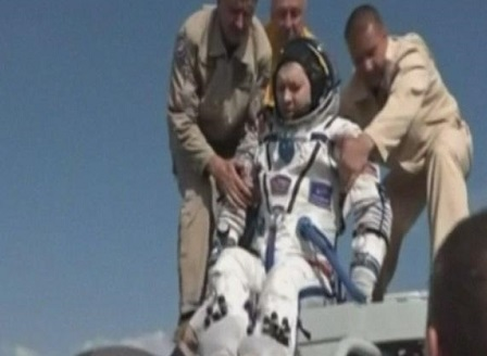 В Казахстан се приземиха космонавтите от експедиция 59