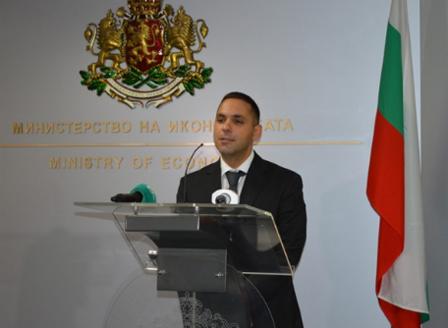 Министърът на икономиката Емил Караниколов ще сертифицира 70 проекта  по Закона за насърчаване на инвестициите