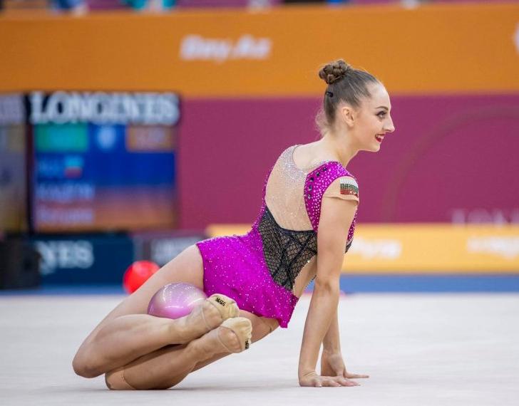 Боряна Калейн на 2 финала на първенство по художествена гимнастика в Баку