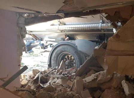 Семейството от Борован, чиято къща беше блъсната от ТИР ще бъде настанено временно във фургон