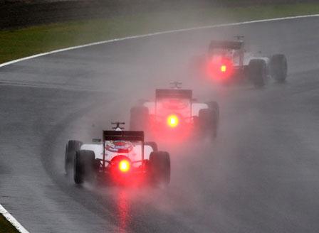 Тайфунът в Япония премести квалификациите във Формула 1
