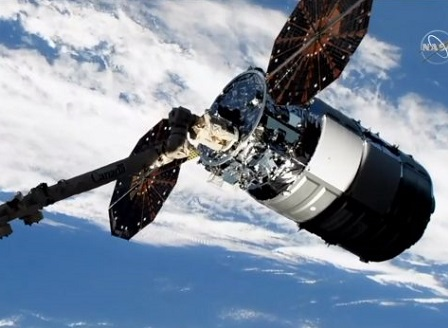 Американския товарен космически кораб Сигнус успешно се скачи с Международната космическа станция