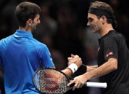 Федерер срази Джокович и е полуфиналист в Лондон