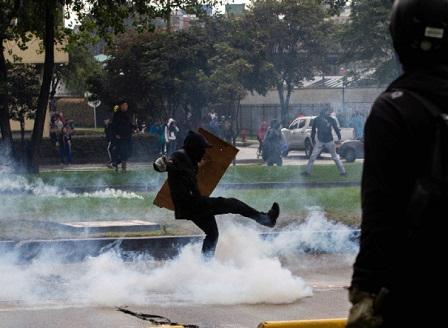 Протестната вълна в Южна Америка стигна и до Колумбия