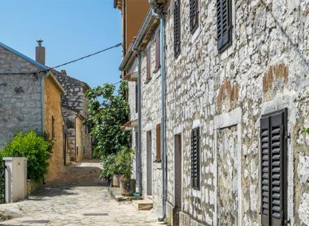 Къщи в Хърватия се продават за 26 стотинки