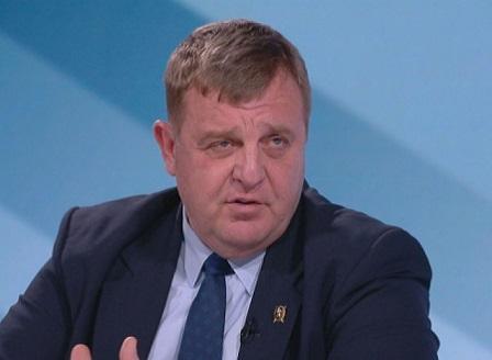 Каракачанов иска забрана на вноса на плодове и зеленчуци до изчерпване на българските