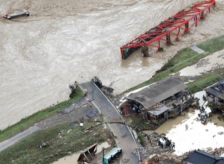 18 души са загинали при наводненията в Япония