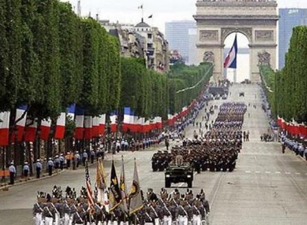 Франция отбелязва националния си празник в сянката на COVID-19